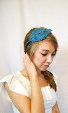 This inspired me this morning. I love this crocheted leaf headband.
