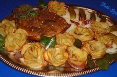 Burgonyarózsák – a legszebb köret, és nem nehéz elkészíteni! | Nyugdíjasok Hungarian Recipes, Artichoke, Shrimp, Muffin, Food And Drink, Bacon, Pizza, Cooking Recipes, Beef