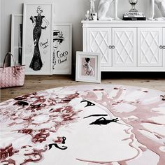 In my studio: My EMPEROR'S PEARLS Rug by @designerrugs - I created her in a dusty pink but she can be transformed into any colour scheme to work with your room. I'd love to see her in pale blue if anyone is game?? Photo by @lisacohenphoto