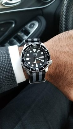[Seiko] - Feeling like James Bond today - Watches Seiko Skx009, Seiko Watches, Seiko Diver, Watches Photography, Luxury Watches For Men, James Bond, Vintage Watches, Cool Watches, Fashion Watches