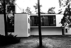 1926 - The Kandinsky/Klee House, one of his Master Houses for Bauhaus faculty in Dessau, Germany.