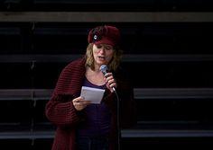 Sneldicht-kunstenaar Pauline Meijwaard vat de avond in een alomvattend gedicht. InspiratiePodium Arnhem #13, Inspiratiehuis Arnhem, Locatie; De Smidse, Film- en fotostudio Alain.nl