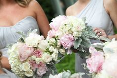 Real Wedding: Sarah and Chad   Flowers: Sue Morris   Photo: Sam Stroud Photography