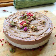 Raw Salted Caramel & Chocolate Cheesecake – Julia Michelle