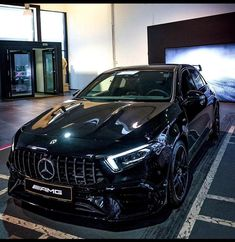 Mercedes Benz Maybach, Mercedes Benz Models, Mercedes Car, E55 Amg, Life Car, Luxury Cars, Dream Cars, Super Cars, Jouer