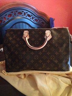 Just added another Louis Vuitton to my collection. Speedy 35