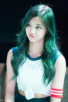 Zhou Tzuyu - Twice maknae (Tzuyu) on We Heart It Nayeon, Korean Beauty, Asian Beauty, Asian Woman, Asian Girl, Sana Cute, Twice Tzuyu, Kpop Hair, Sana Momo