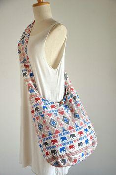 Retro White Elephant Bag Abstract Ethnic Bag Crossbody by Dollypun