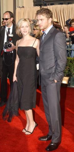 Reese Witherspoon and Ryan Phillippe attend the 8th Annual Screen Actors Guild Awards at the Shrine Auditorium in Los Angeles CA (March 10, 2002)