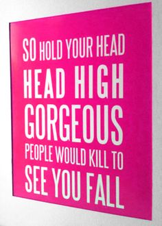 aleua:    wondurrr:      Head high. High heels.