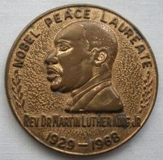 RARE Special MARTIN LUTHER KING Medallion MEDAL Nobel Peace NON-VIOLENCE 1929-68