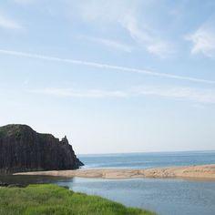 丹後の立岩。鬼退治の伝説があり、立岩の中には退治された鬼がいまもいるとか。 #kuska #tango #kyoto #sea #beautiful #sky #blue #stone #clouds #クスカ #丹後 #京丹後 #海の京都 #海 #空 #青 #雲 #手織り #写真 #景色 2016/06/25 17:00:26