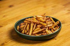 Így készül a tökéletes házi sült krumpli | Street Kitchen Cinnamon Sticks, Almond, Spices, Food, Spice, Essen, Almond Joy, Meals, Yemek