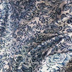 Trouver plus Tissu Informations sur Bleu et blanc fleurs imprimer satin matériau souple chinois robe tissu ethnique tissus tecido, de haute qualité tissu bandage, tissu toile de jute Chine Fournisseurs, pas cher tissu sac de shipper xiao's store sur Aliexpress.com