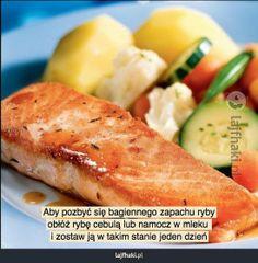 Jak pozbyć się bagiennego zapachu ryby? - pomysły, triki, sposoby, lifehacki, porady Baked Potato, Zucchini, Potatoes, Meat, Chicken, Baking, Vegetables, Ethnic Recipes, Free