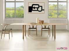 Mesas redondas, cuadradas y rectangulares con formas redondeadas fabricada de roble, nogal o haya acabado en natural o lacados