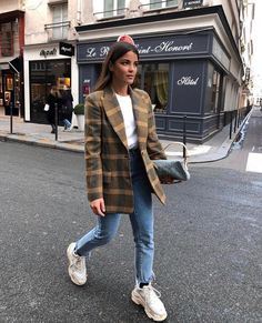 fashion - 2019 looks primavera,looks Mode Outfits, Trendy Outfits, Fashion Outfits, Womens Fashion, Fall Winter Outfits, Autumn Winter Fashion, Mode Instagram, Looks Jeans, Mode Ootd