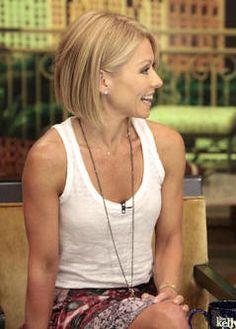 love Kelly's new hair cut