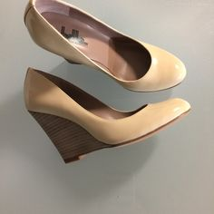 Belle Sigersom Morrison Patent Wedges sz 5B New belle Sigerson Morrison Patent wedge in butter color. Sz 5B. Hard to find size. Sigerson Morrison Shoes Wedges
