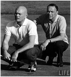 Photo John Dominis (L-R) Actor Yul Brynner and entertainer Frank Sinatra playing game of golf. They are favorite partners on the links 1964 Palm Springs, CA, US Golden Age Of Hollywood, Hollywood Stars, Classic Hollywood, Old Hollywood, Yul Brynner, Deborah Kerr, Franck Sinatra, Vieux Couples, Saint Yves