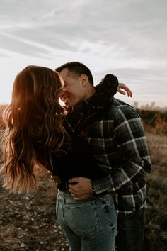 Cute Couples Photos, Cute Couple Pictures, Couple Pics, Engagement Photo Poses, Engagement Photo Inspiration, Engagement Pictures, Engagement Photography, Couple Photoshoot Poses, Couple Shoot