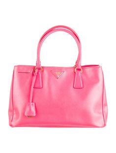77ff3a96823b14 Luxury consignment sales. Shop for pre-owned designer handbags, shoes,  jewelry and more | The RealReal