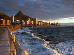 Cape Town is the most beautiful city in South Africa. Going for walk across cape town at night would show you the beautiful city. Tourist Places, Places To Travel, Travel Destinations, Oh The Places You'll Go, Places To Visit, Cape Town South Africa, Pretoria, Most Beautiful Cities, Beautiful Things