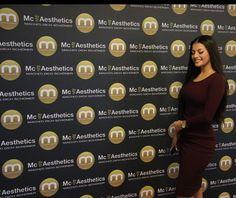 Die bekannte Tänzerin Ivana Santacruz posiert für uns direkt in Anschluss an einer Behandlung ( die Behandlung darf nicht verraten werden)