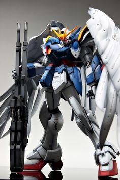 PG 1/60 Wing Gundam Zero Custom    Modeled by Suny Club