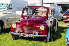 #Renault #4CV #Découvrable au salon Auto Moto Retro de Rouen. Reportage complet : http://newsdanciennes.com/2015/09/28/grand-format-auto-moto-retro-de-rouen/ #Cars #Vintage #Classic_Cars