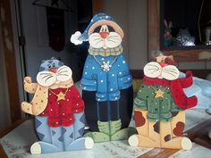 Holiday kitties!!  A Renee Mullins design...just loved doing them!