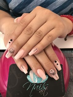Opting for bright colours or intricate nail art isn't a must anymore. This year, nude nail designs are becoming a trend. Here are some nude nail designs. Best Acrylic Nails, Acrylic Nail Art, Acrylic Nail Designs, Gorgeous Nails, Pretty Nails, Mandala Nails, Luxury Nails, Best Nail Art Designs, Simple Nail Art Designs