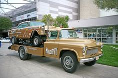 Photo gallery of custom muscle cars, rat rods, and trucks from the 2014 SEMA show Old Race Cars, Us Cars, Vintage Race Car, Vintage Trucks, Gm Trucks, Cool Trucks, Rat Rods, Toy Hauler Trailers, Automobile