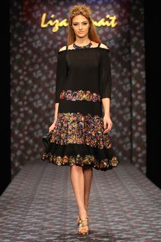 Rochie tull Tulle Dress, Lace Skirt, Cold Shoulder Dress, Hand Painted, Liberty, Skirts, Clothes, Collection, Black