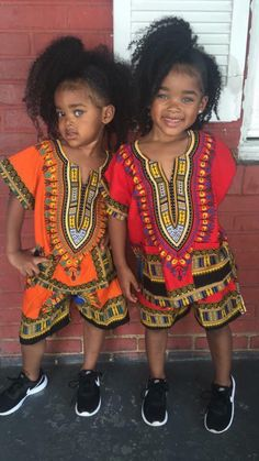 They look like a mini riri❤ African Wear, African Attire, African Fashion, Kids Fashion, Beautiful Black Babies, Beautiful Children, Baby Kind, Pretty Baby, Cute Twins