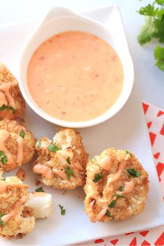 Baked spicy cauliflower bites from Hungry Girl! Try this version of bang bang cauliflower… all the flavor, just healthier! Only 139 calories per serving!
