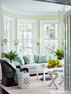 Soften prints with solids. Design: Ashley Whittaker. Photo: Francesco Lagnese. housebeautiful.com. #sunroom #pattern #solids #trellis