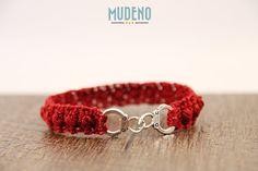 Armband gehäkelt - Häkelschmuck - Handschellen Armband - Armband mit Handschellen - rotes Armband