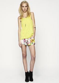 Weldon Paneled Cut-Out Tank & Kester Floral Print Drawstring Short