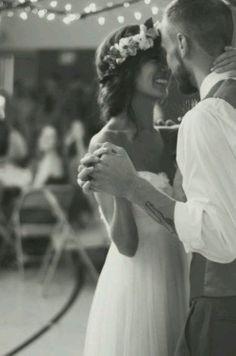 Cute wedding photo style