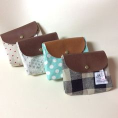YUWA リバティ 手作り ポーチ 無料型紙 Fabric Crafts, Sewing Crafts, Sewing Projects, Cute Patches, Wallet Tutorial, Simple Bags, Quilted Bag, Pouch Bag, Pouches