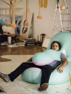 A bliss of design, Ernesto Neto is a contemporary Brazilian artist who creates large installations of large, soft, biomorphic structures tha. Art Furniture, Furniture Design, Office Furniture, Instalation Art, Soft Sculpture, Chair Design, Interior Design Living Room, Bean Bag Chair, Contemporary Art