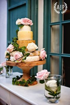 Vintage romantic wedding cheese cake tower