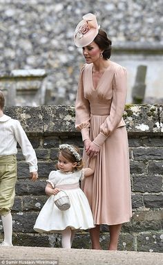 Kate Middleton Photos Photos - Catherine, Duchess of Cambridge speaks to Princess Charlotte after the wedding of Pippa Middleton and James Matthews at St Mark's Church on May 2017 in in Englefield, England. - Wedding of Pippa Middleton and James Matthews Vestidos Kate Middleton, Moda Kate Middleton, Style Kate Middleton, Pippa Middleton Wedding, Princesse Kate Middleton, Kate Middleton Fashion, Kate Middleton Dress, Alexander Mcqueen Kleider, Bridesmaids