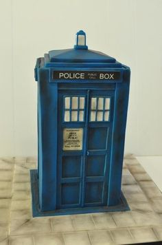 Tardis Cake. Dr Who.