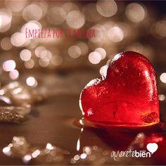 A veces, los problemas de pareja comienzan antes de que esta se forme, en las expectativas que tenemos en nuestra pareja. Lee el artículo y entiende por dónde hay que empezar a construir una pareja feliz. #boda #amor #propio #rupturas #separación #desamor