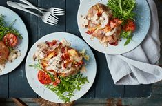 Get inspired by the flavours of a classic breakfast with these Full English loaded baked potatoes recipe. See more Potato recipes at Tesco Real Food. Baked Potato Recipes, Loaded Baked Potatoes, Healthy Meals For Kids, Healthy Eating Recipes, Cooking Bacon, Easy Cooking, Mango Chicken Curry, Budget Meals, Budget Recipes