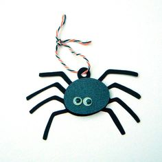 Halloween Spider Tags and Baker's Twine, set of 12