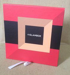 Hoje tem Glambox Brasil de dezembro no Blog. Passa lá pra saber tudo que veio na caixinha e o que achei de cada produtinho. http://jeanecarneiro.com.br/glambox-de-dezembro/ #glambox #glamboxbrasil #glamboxdezembro #cosmeticos #cosmetic #blogger #beaute #beleza #beauty #beautyblogger