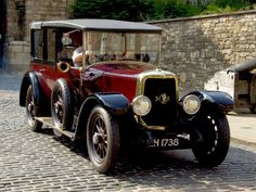 1924 Panhard et Levassor Saloon by Salmons and Son, Tickford Vintage Sports Cars, Vintage Cars, Antique Cars, Vintage Auto, Cool Old Cars, Nice Cars, Saloon, Classy Cars, Toy Trucks